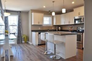 East Side Stonebridge - 3 Bed Town House  Rent to own Equity!