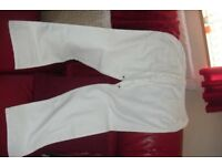 SIZE 16 PAIR WHITE LINEN TROUSERS WITH SIDE + BACK POCKETS