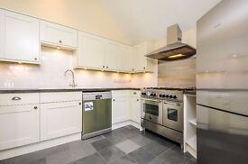 A stunning three bedroom recently refurbished property to rent in the heart of Muswell Hill.
