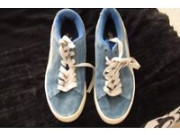 SIZE 6 PAIR BLUE PUMA SUEDE BOYS LACE UP TRAINERS