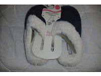 SIZE 3/4 NEW PAIR OF LADIES MEMORY FOAM SLIP ON SLIPPERS IN GREEN WITH FUR LINING