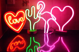 LED NEON TABLE LAMPS PINK HEART LOVE HEART GREEN CACTUS OR FLAMINGO DESIGN LIGHT