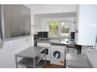 2/3 bed house to rent in Palmers Green
