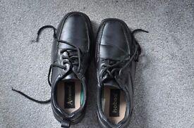 BLACK LEATHERED SHOES - MEN