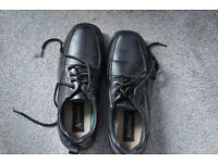 BLACK LEATHERED SHOES - MEN