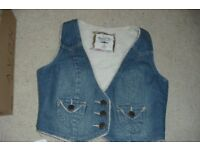 SIZE 14 DENIM FLEECE LINING WAISTCOAT FASTENS WITH 3 BUTTONS