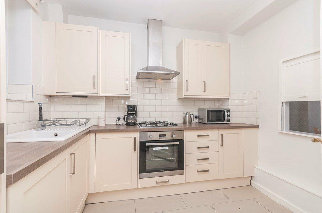 Massive One Double Bedroom Flat To Rent Whole Great Price