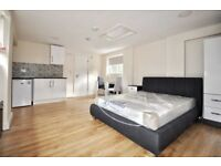 STUDIO flat to rent in Plaistow - £700 - part dss accepted