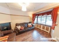 3 bedroom house in Oldchurch Road, Romford, RM7