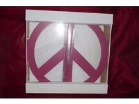 NEW IN BOX NEVER USED DARK PINK MODERN WALL CLOCK IDEAL FOR ANYWHERE IN HOUSE