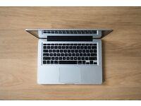 "Macbook 13"" Unibody - Mint Condition"