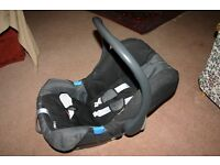 Mothercare Infant Carrier with Isofix.