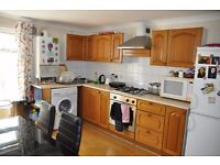 Bright and Spacious 3 bedroom flat available in West Kensington Area