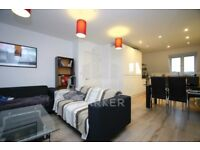 SUPERB TOP FLR APMT- 3 BED / 2 BATH- MINS FROM KILBURN STN- PERFECT FOR SHARERS- 020 7846 0846