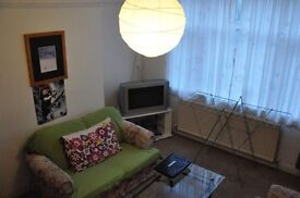 Large fully furnished double room in shared house of professionals