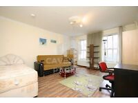 GREAT VALUE 2 BED LOUNGE CONVERSION APMT- MINS FROM OLD ST STATION- IDEAL FOR 2 SHARERS- MUST SEE