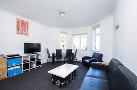 *** Delightful three double bedroom flat to rent , Oakfield Court, Haslemere Road, N8 ***