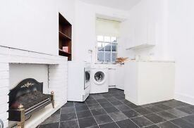 Contemporary 1 bedroom 1st floor flat in Causewayside available January - NO FEES
