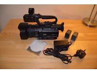 JVC GY-HM170U Ultra 4K Cam + 3 Batteries + Charger + 64 GBMem Card