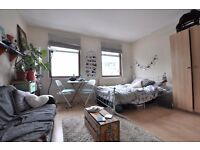 Excellent value 2 or 3 bedroom flat in Shoreditch E2