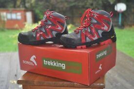Boreal trekking junior boots size 12