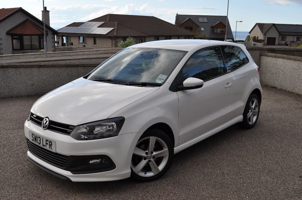 2013 volkswagen polo r line style white 1 2l in banff. Black Bedroom Furniture Sets. Home Design Ideas