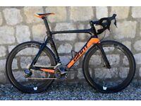 COST £4500. 2017 GIANT PROPEL ADVANCED PRO 0 Di2 CARBON ROAD BIKE. SLR-0 CARBON WHEELS. M/L. MINT