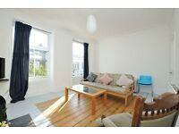 Bouverie Road, 2 bed flat, split level, light and airy located in an A1 location