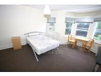 FANTASTIC VALUE DOUBLE ROOM, FURNISHED OR UNFURNISHED, SHORT WALK TO WEST END LANE. 07341 387 130