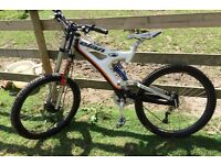 Elan Remec DH Pro Mountain Bike - Carbon Fiber, Full Suspension - Bargain