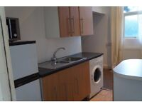 VERY NICE STUDIO FLAT TO RENT ON NEWPORT ROAD £525 ALL BILLS INCLUDED !!