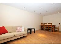 3 bedroom Apartment situated in Ideal location, on Northern Line. * Amwell Street *