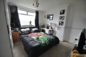 FANTASIC DOUBLE ROOMS IN CANARY WHARF!! book your viewing! only minutes away from the station!