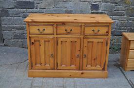 4ft solid pine sideboard dresser