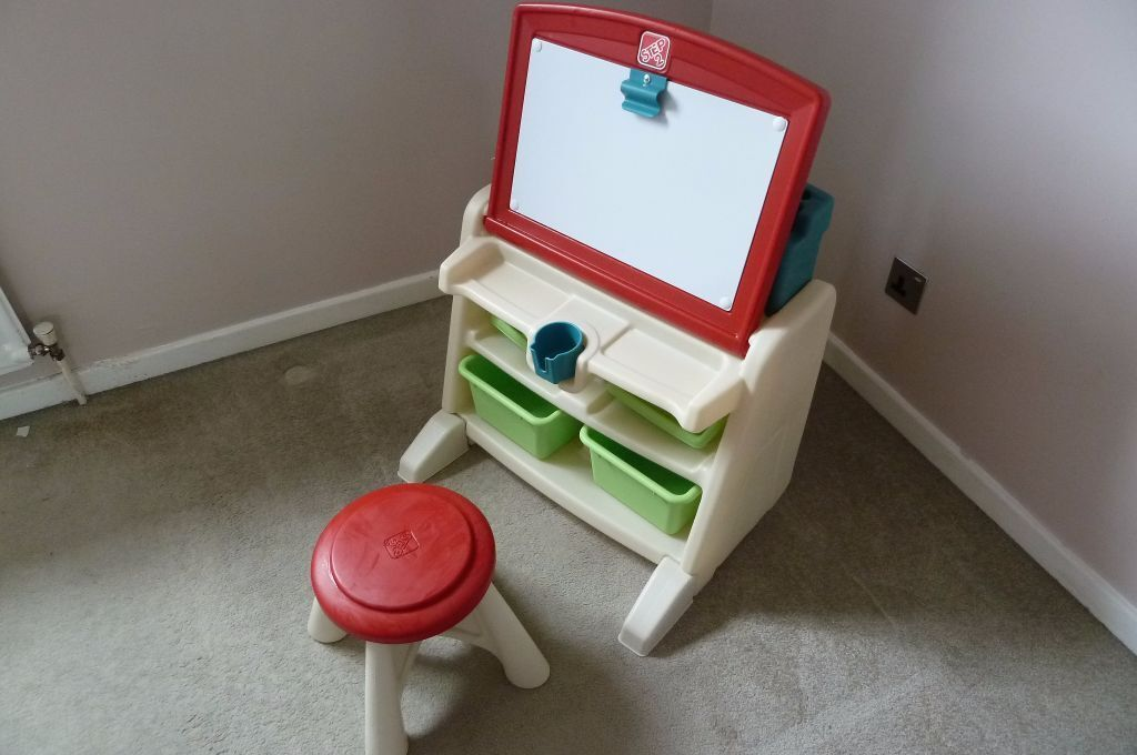 Step2 Flip And Doodle Easel Desk With Stool In Bramley