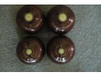 Flat green lawn bowls.