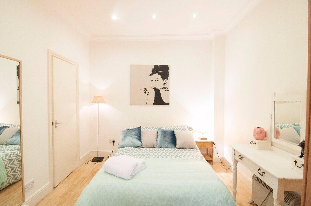 Spacious self contained studio West Kensington W14 £285 pw