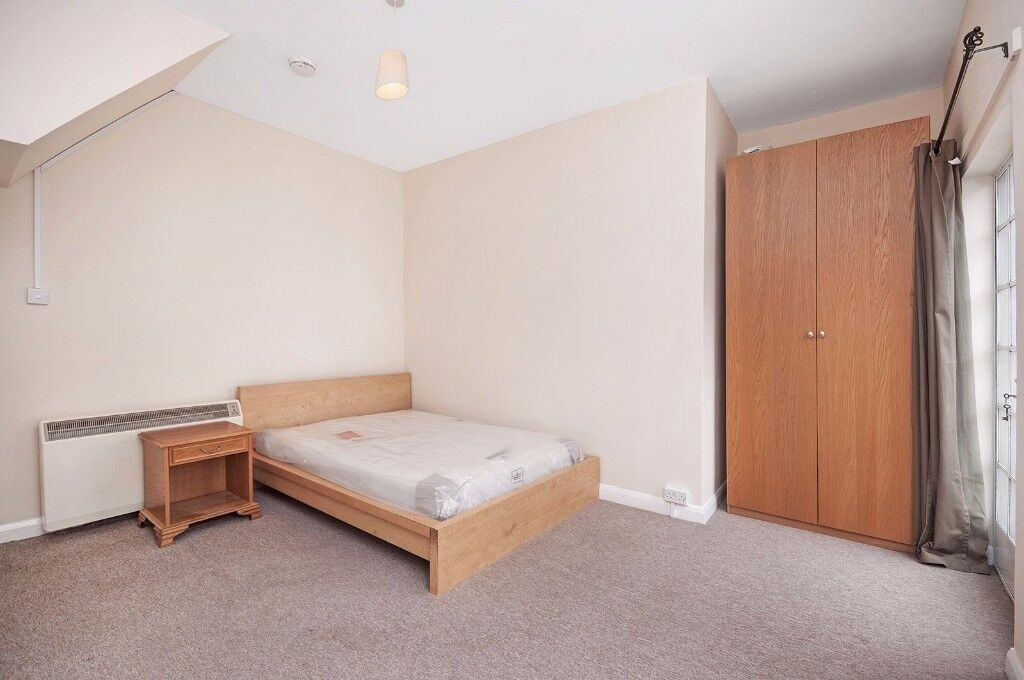 *BRAND NEW* SPACIOUS LARGE *CUTE* APARTMENT OPEN PLAN KITCHEN