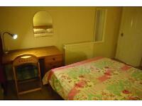 Study/bedroom in light & spacious top floor flat