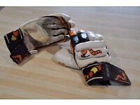 Woodworm cricket gloves fit medium hand