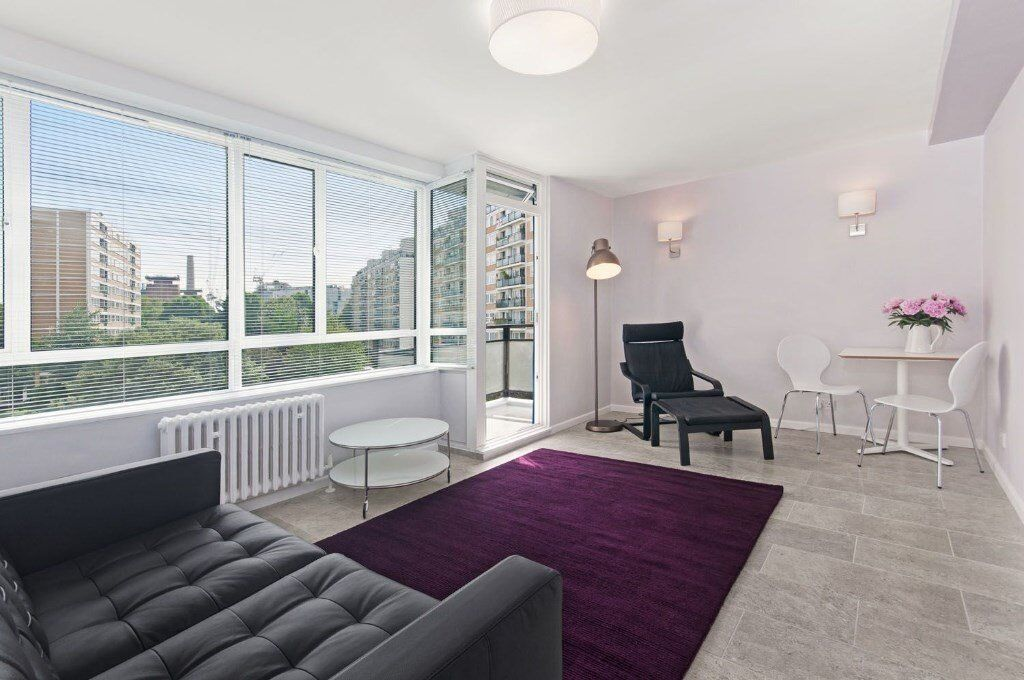 3 bed with balcony and some bills included in Pimlico SW1. Available in January