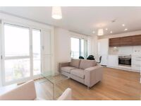 ** Luxury Modern style 1 bed apartment, Balcony-gym-concierge, Bromley By Bow, E3 - AW