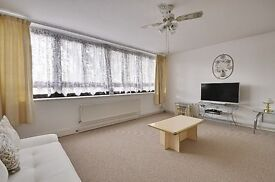 A WONDERFUL 3 BED FLAT located in isleworth