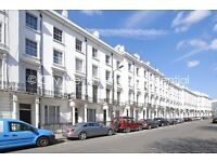 Big 4 double bed flat is available 10min walk from Paddington Station. High Ceiling!