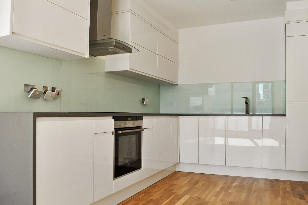 Nearly new Large 2 bed Penthouse on Great Eastern Street, Shoreditch EC2A