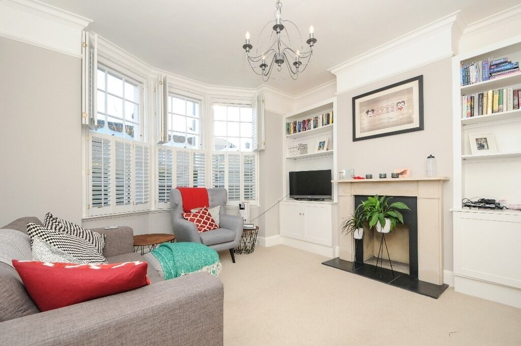 Swaby Road, SW18 - Stunning two bedroom ground floor Victorian maisonette with garden - £1850pcm