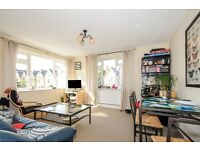 A bright two double bedroom apartment in Abbeville Village on Elms Road - £1625 per month