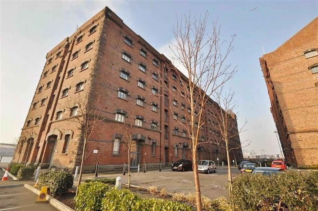 Available Now Two Bedroom Apartment Fully Furnished - East Float Quay, Dock Road, Birkenhead