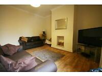 2 bedroom flat in Rothbury Terrace, Heaton, Newcastle Upon Tyne, NE6