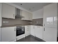 * VERY MODERN LARGE 1 BED FLAT IN ISLEWORTH - FIRST TO SEE WILL TAKE IT - BE QUICK - VIEW TODAY *